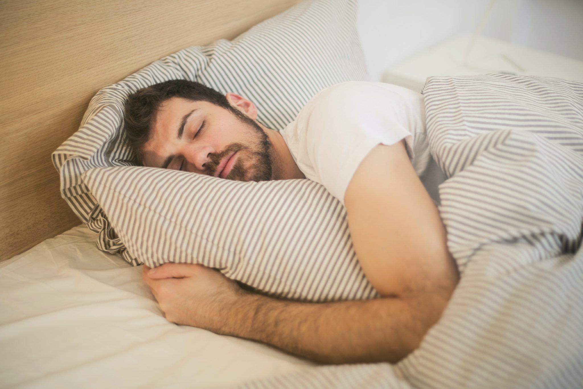 Como dormir mejor siguiendo consejos naturales